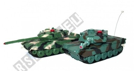 A pair of fighting tanks American M1A2 i Chinese 96