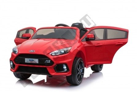 Auto on battery Ford Focus RS 2 engines red